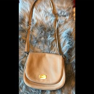 Michael Kors tan cross over bag